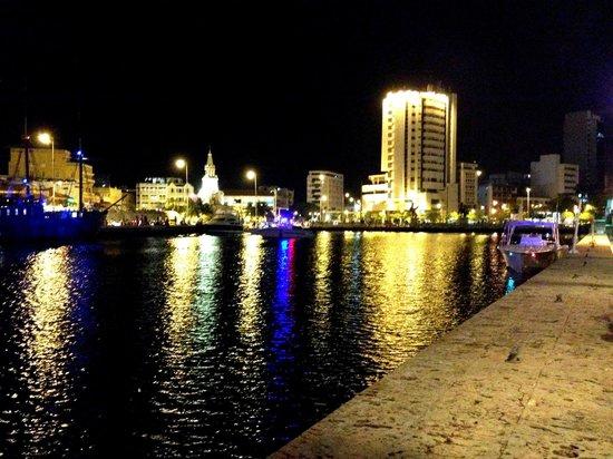 Marea By Rausch: Vista de cartagena en la noche!