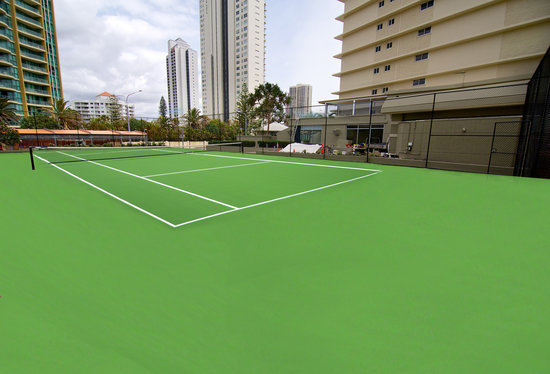 Hi Surf Beachfront Resort Apartments: Tennis Court