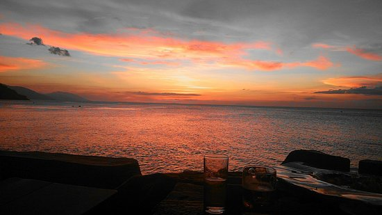 Sunset at Aninuan Beach Resort: Sunset@Sunset2