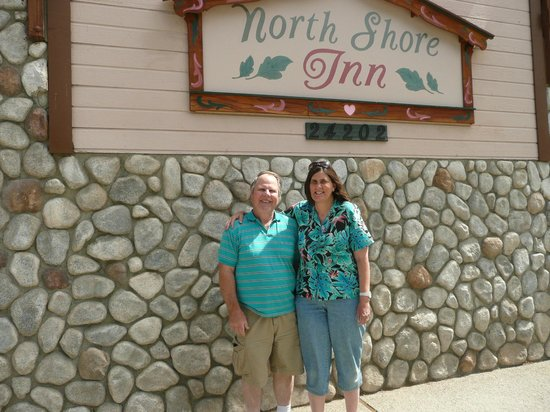The North Shore Inn: In front of the Inn