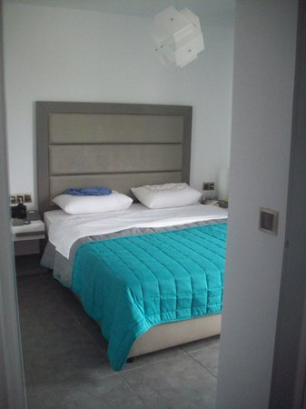 Happy Cretan Suites : Schlafzimmer, Doppelbett