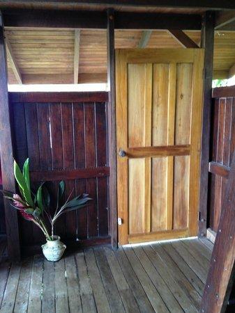 Lookout Inn Lodge: Inside the Monkey House