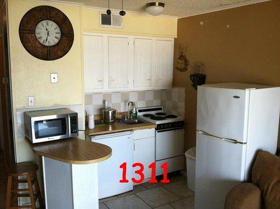 Villa Del Sol: 1311 Kitchen