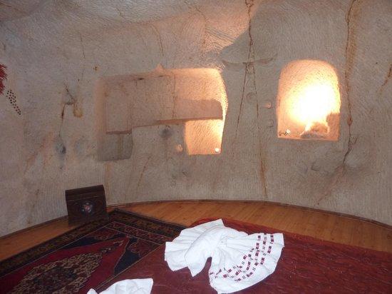 Temenni Evi Hotel: the main bedroom