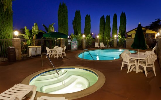 Quality Inn: Outdoor Pool and Heated Spa