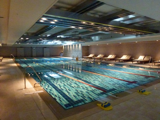 Yeouido Park Centre, Seoul - Marriott Executive Apartments: Swimming pool