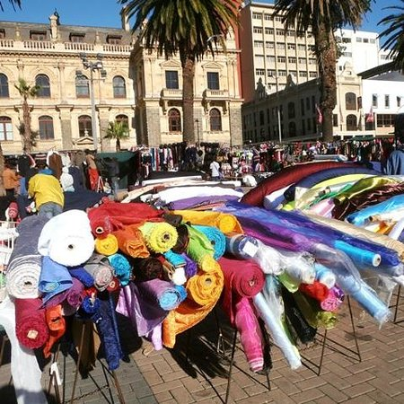 Wanderlust - Cape Town on Foot Walking Tour: Market day on the Grand parade