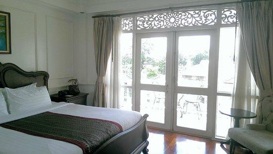 Dhavara Hotel : Deluxe room, lovely decent room