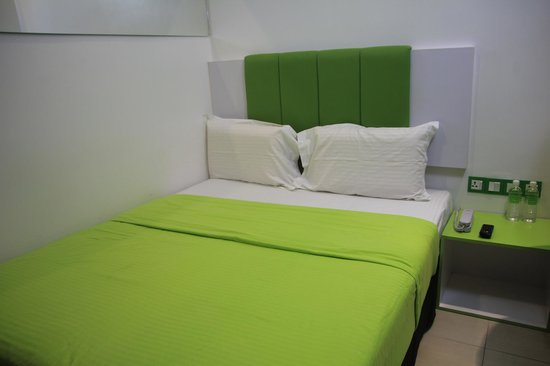 Apple Hotel : Apple Green bed