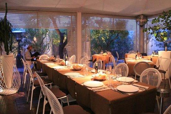 una delle sale del ristorante - Picture of Corteinfiore, Trani ...