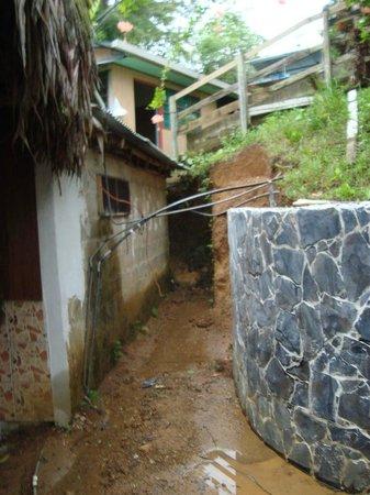 Hotel Rancho Corcovado: Vor dem Eingang zum Essbereich