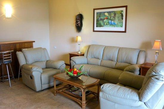 Kalibobo Village : Presidential Lounge Room