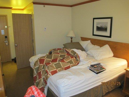 Best Western Plus Edgewater Hotel : Room
