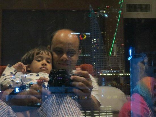Amari Watergate Bangkok : Night view.