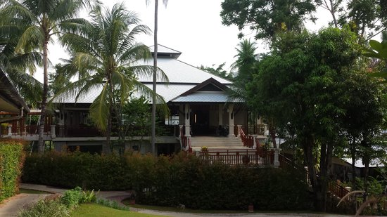 Horizon Karon Beach Resort & Spa: beautiful buildings and grounds