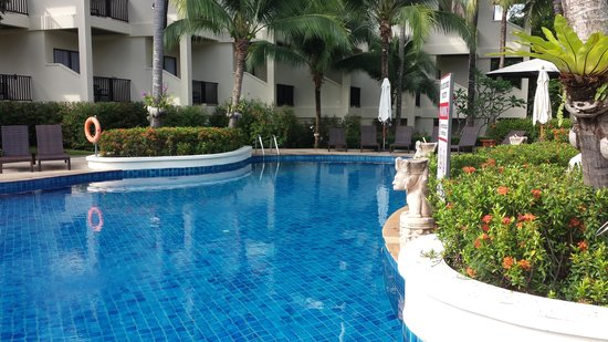 Horizon Karon Beach Resort & Spa: 1 of 2 pools