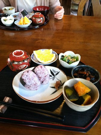 Guest House Tamura: Japanese veggie breakfast not to be miss!