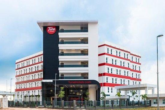 Tune Hotel KLIA 2