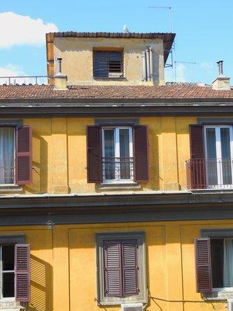 Hotel Gioberti: Depuis la chambre 407, une famille de mouettes sur le toit