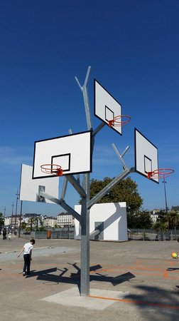Les Machines de L'ile : play basket!