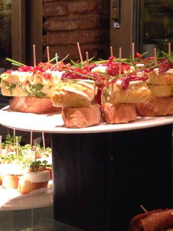 Irati Taverna Basca: Beautiful & yummy!