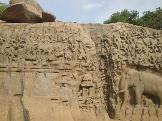Arjuna's Penance : Ganga flowing to earth