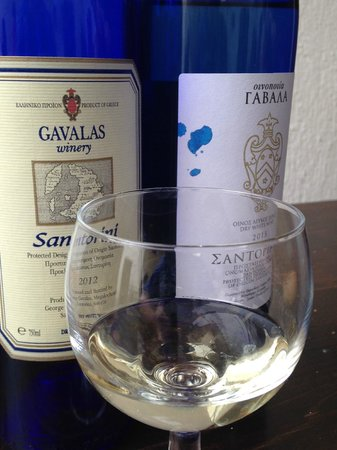 Gavalas Winery: Two Assyrtikos to try!