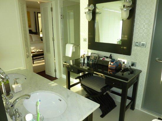 InterContinental Samui Baan Taling Ngam Resort: Panoramic 1 Bedroom Suite bathroom suite