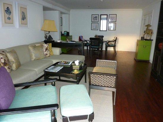 InterContinental Samui Baan Taling Ngam Resort: Our Panoramic Suite lounge area