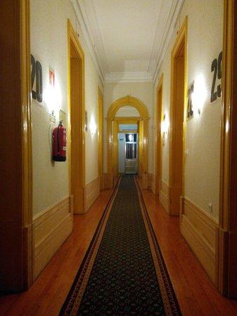 Hotel Senhor de Matosinhos : Escaleras, distribución