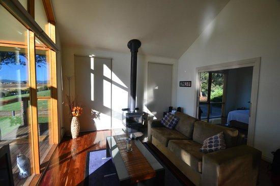 Yering Gorge Cottages: Wood Heater