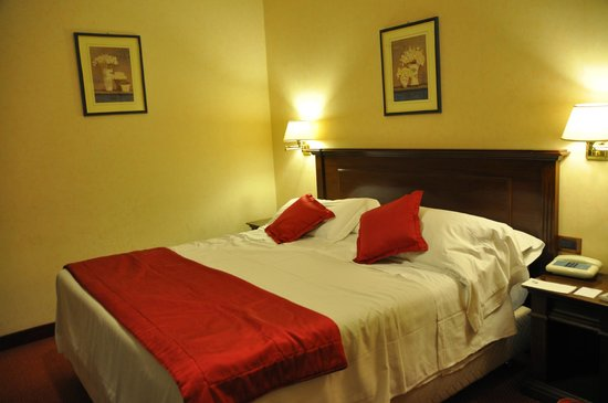 Hotel Nazionale A Montecitorio: bedroom - adequate, clean