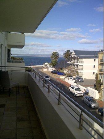 Quarters Hermanus : Balcony view
