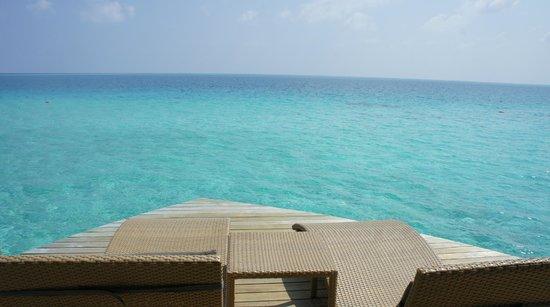 Centara Ras Fushi Resort & Spa Maldives : View from private deck