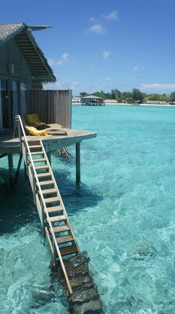 Centara Ras Fushi Resort & Spa : Private deck