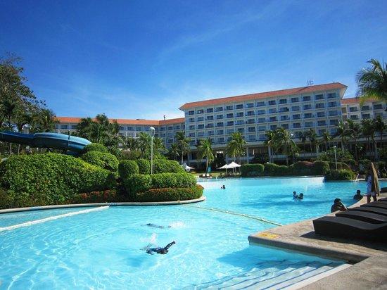 Shangri-La's Mactan Resort & Spa: 游泳池