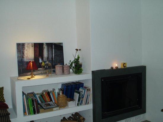Hotel Ses Sucreres: Detalle de una de las salas de estar
