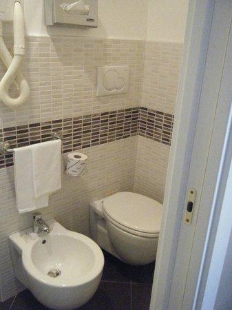 The Church Village : salle de bain très bien