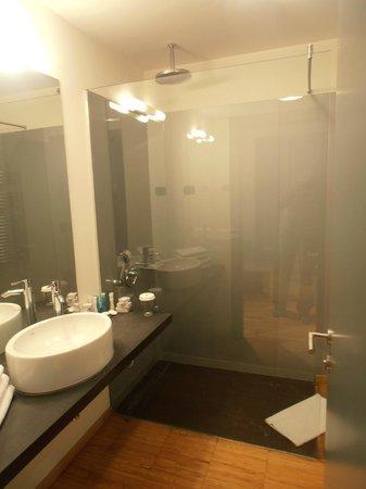 Sarroglia Hotel: Bathroom
