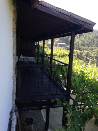Ambelikos AgroHotel: Side view of balcony