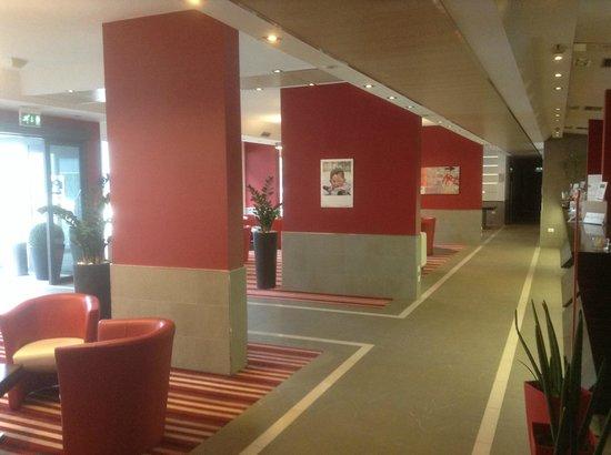 B&B Hotel Trento: Hall