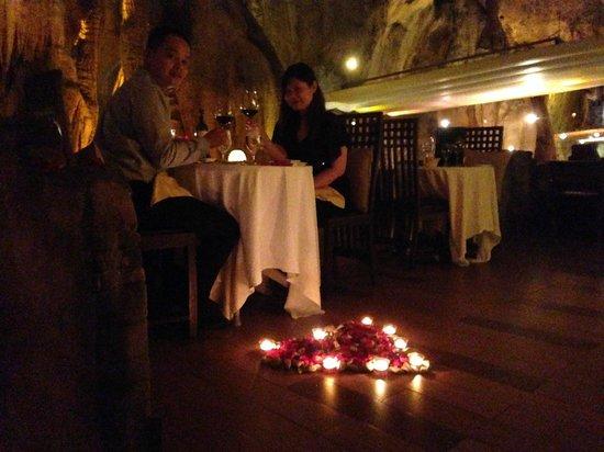 เดอะบันจารัน ฮอทสปริง รีทรีท: Romantic candle light setup