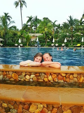 Centara Koh Chang Tropicana Resort: Sea Breeze pool