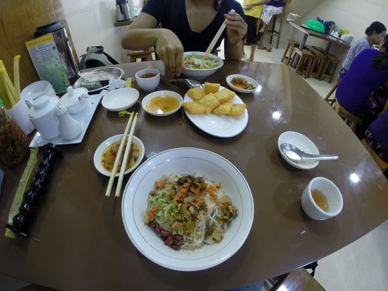 999 Shan Noodle House : Dry Noodles with Chicken