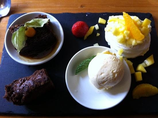 Seven Stars Pub: The delicious dessert plank- worth the money!
