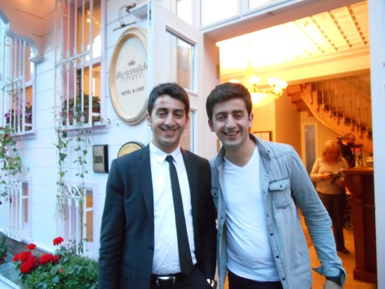 Hotel Darussaade Istanbul: Yusp with twin brother