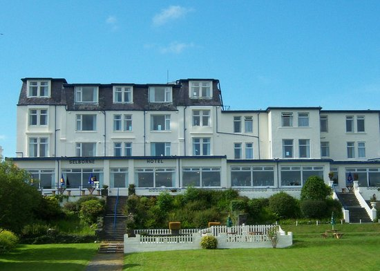 Selborne Hotel : front of hotel