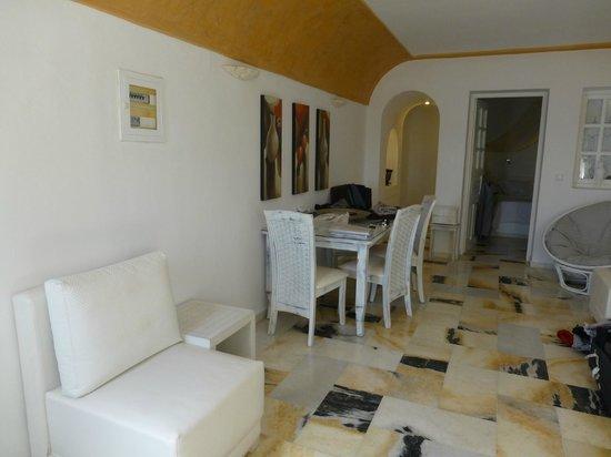 Santorini Princess: Livingroom