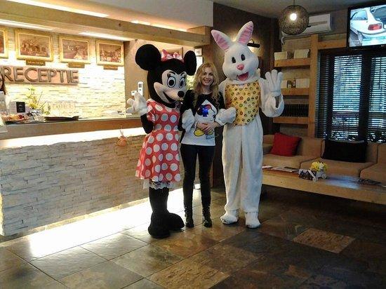 Ioana Hotel: Eastern party!