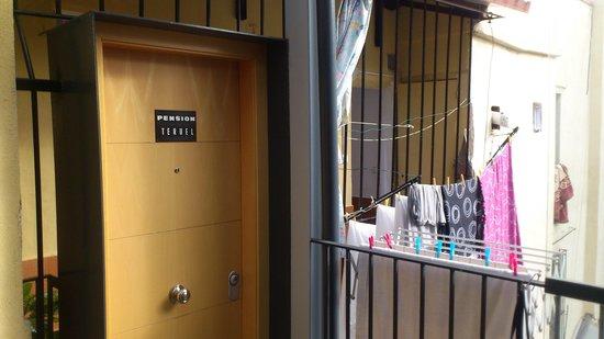Pension Teruel : entrée du palier